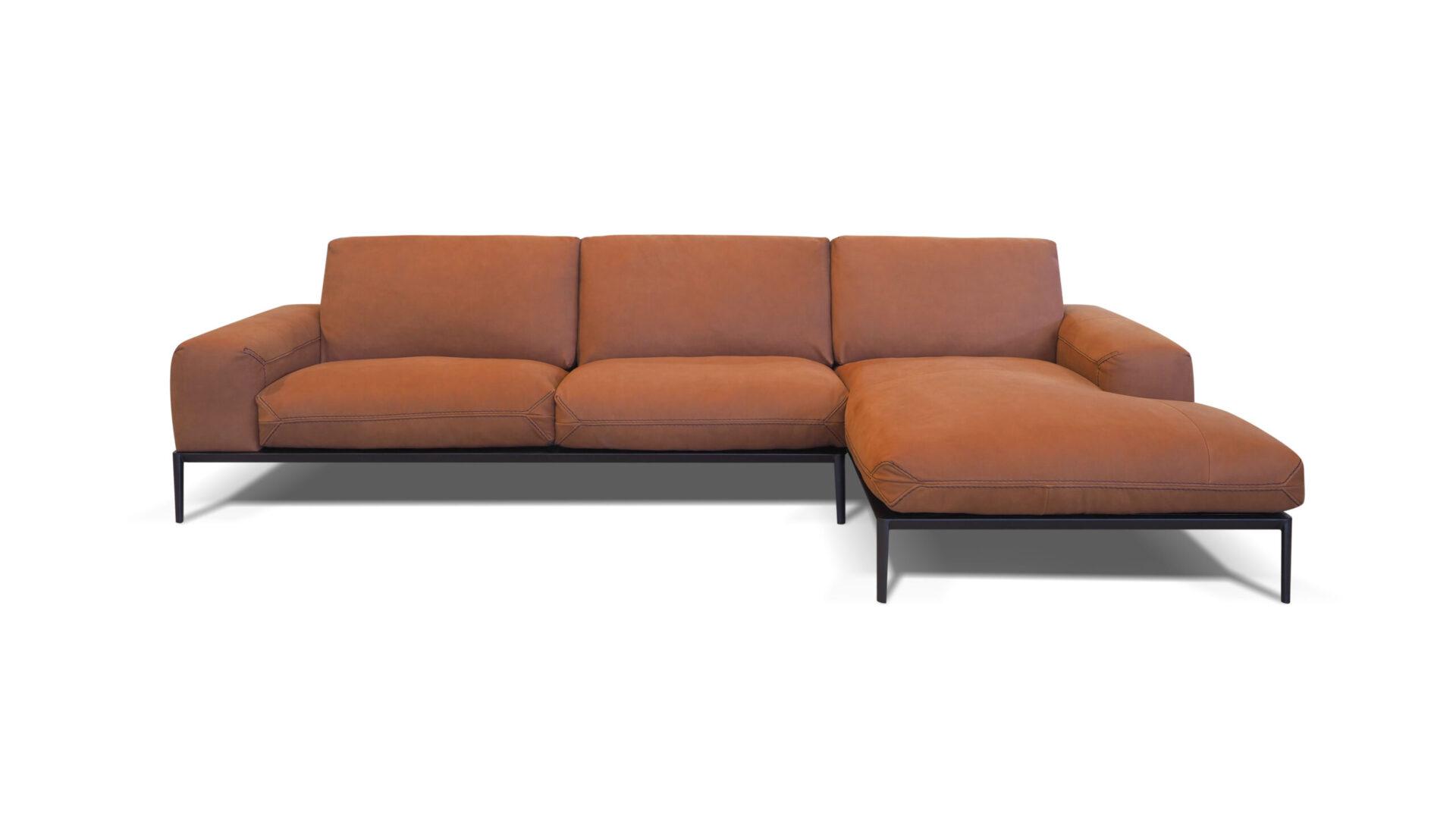 Chic sofa chaise